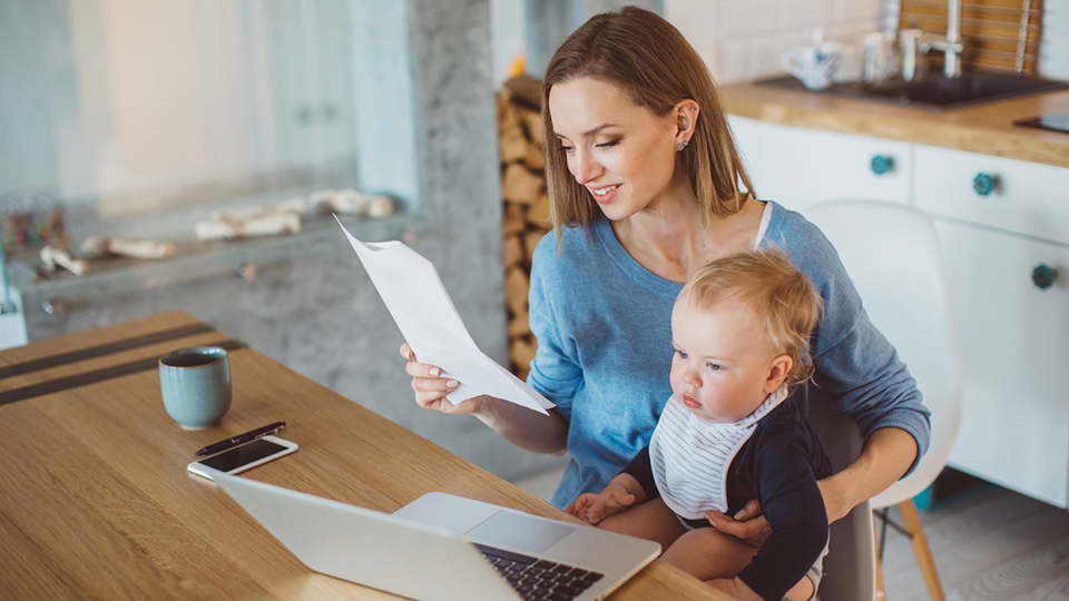 How to manage your finances when having a baby