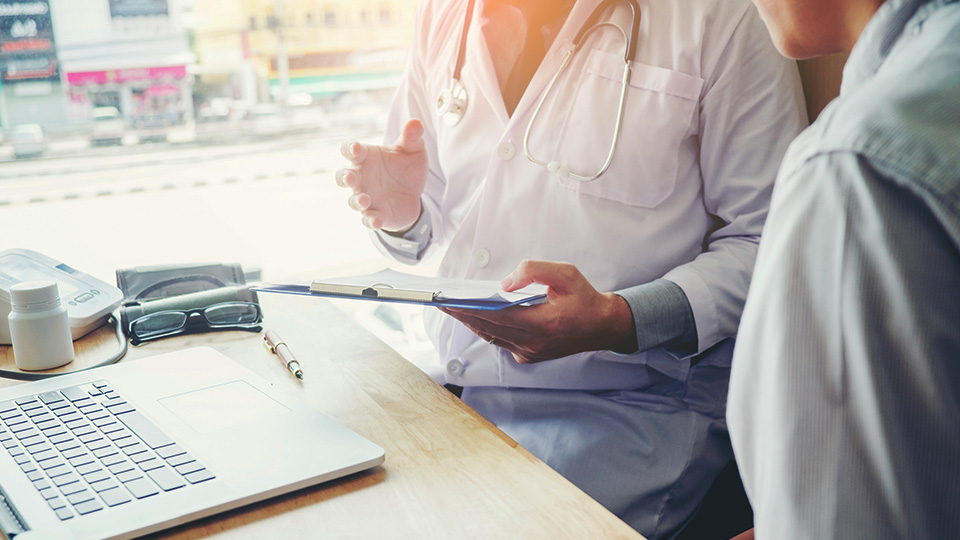 Basic registration considerations for medical employees moving to consultant (locum) arrangements
