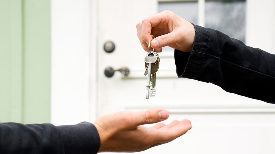 Should I sell my investment property vacant or tenanted?